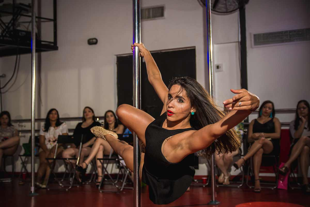 Pole dance despedida de soltera