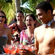 Bartender sexy para tu despedida de soltera en Santo Domingo