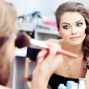 Taller de codificación y maquillaje
